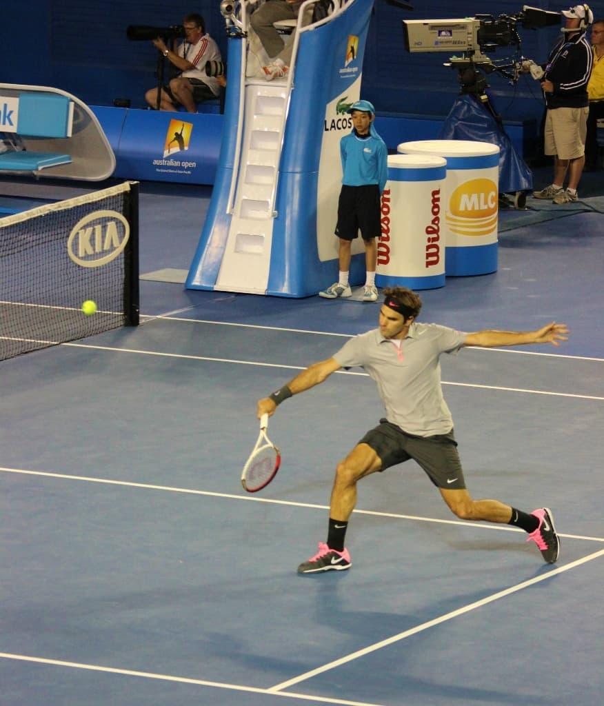 Roger Federer - THAT backhand