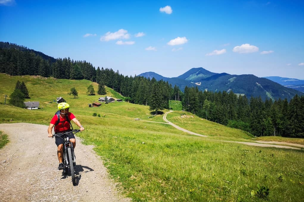 10 Tips for Staying Fit while Travelling