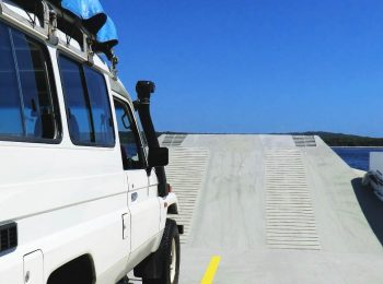 Driving a 4×4 off Road around Fraser Island